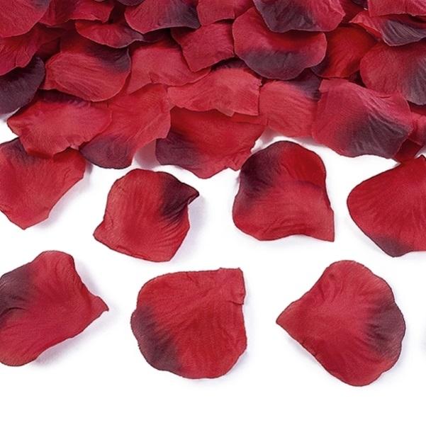 Okvetné lístky ruží textilné tmavo červené