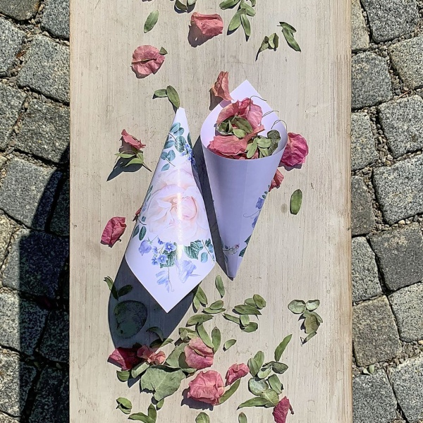 KORNÚT svadobný na okvetné lístky Kvety 20cm 8ks